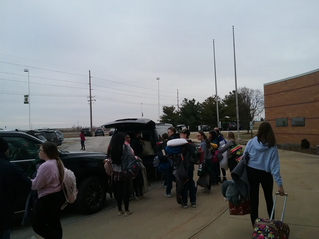 Students loading vehicle for March for Life 2020